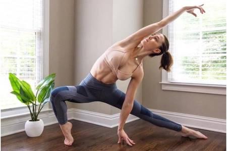 产后瑜伽多久可以做,产后妈妈适合这四个瑜伽动作