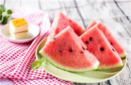月经期间可以吃不冰的西瓜吗