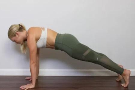 瑜伽不仅可以美体瘦身,坚持练习更会美丽年轻