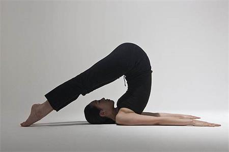 瘦腰又瘦腿的瑜伽动作,练完你就可以穿上比基尼