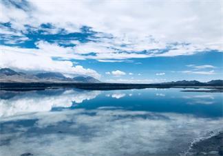 打卡茶卡盐湖的说说句子 去茶卡盐湖玩的心情说说