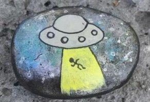 适合孩子的石头画,训练孩子的想象力