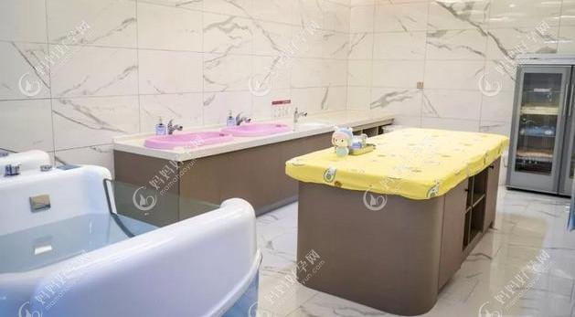 婴儿洗澡区